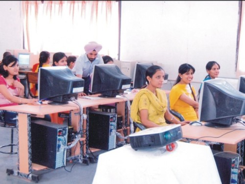 essay computer education important today